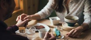 Was ist der Unterschied zwischen Partnervermittlungen und Singlebörsen?